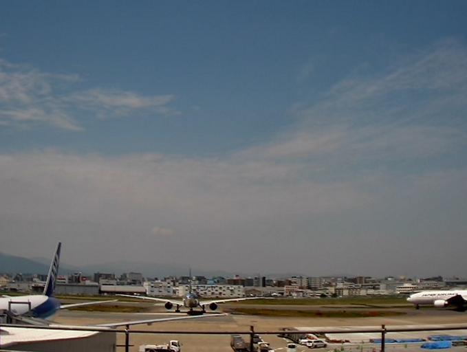 JAL福岡空港ライブカメラ(福岡県福岡市博多区)