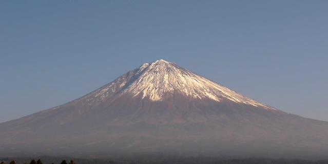 富士カプセル本社屋上から富士山