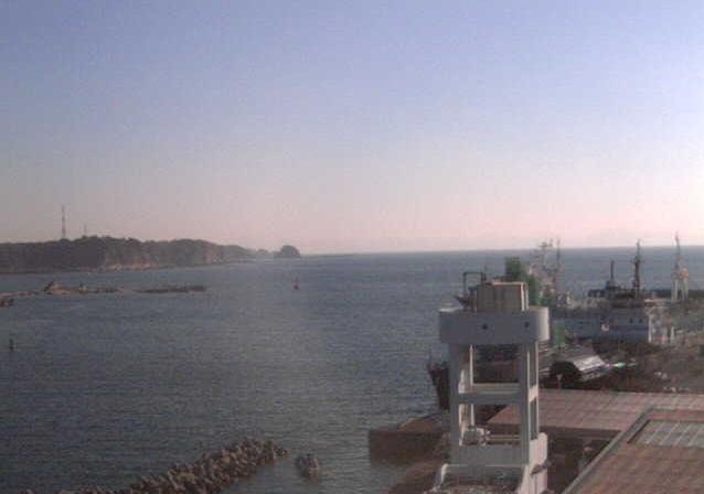 神奈川県水産技術センター4階から東京湾口・房総半島