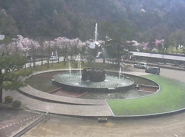 庄川特産館から水記念公園内・桜