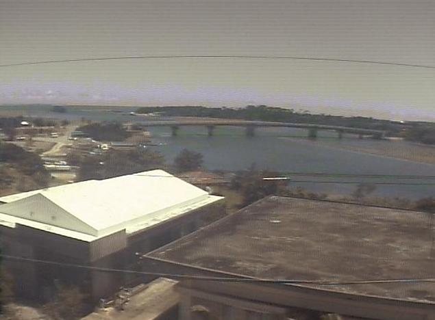 竹盛旅館から仲間川上流・西表島大原港・仲間橋上空・西表島南東上空が見えるライブカメラ。