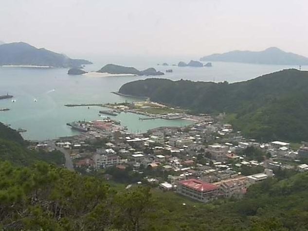 高月山から座間味港・北浜ビーチが見えるライブカメラ。