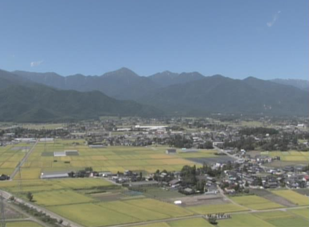 KDDI長野TCタワー北アルプスライブカメラは、長野県安曇野市豊科のKDDI長野ネットワークセンター地上90mに設置された北アルプスが見えるライブカメラです。