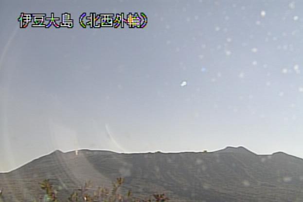 北西外輪から伊豆大島(三原山)