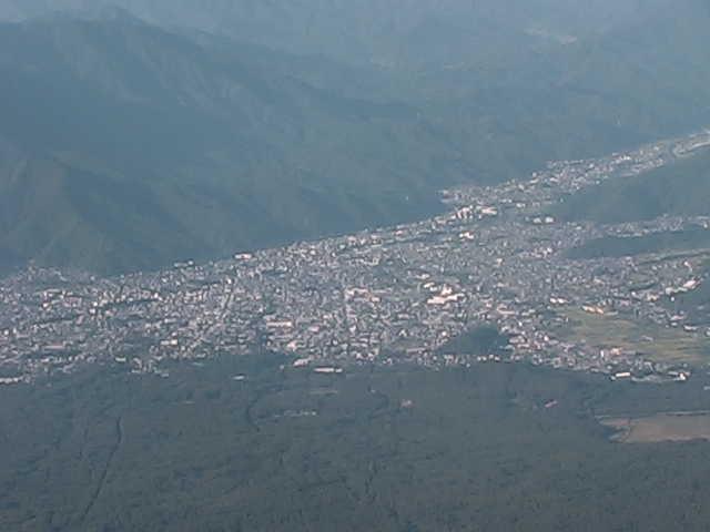 富士山8合目から富士吉田市内