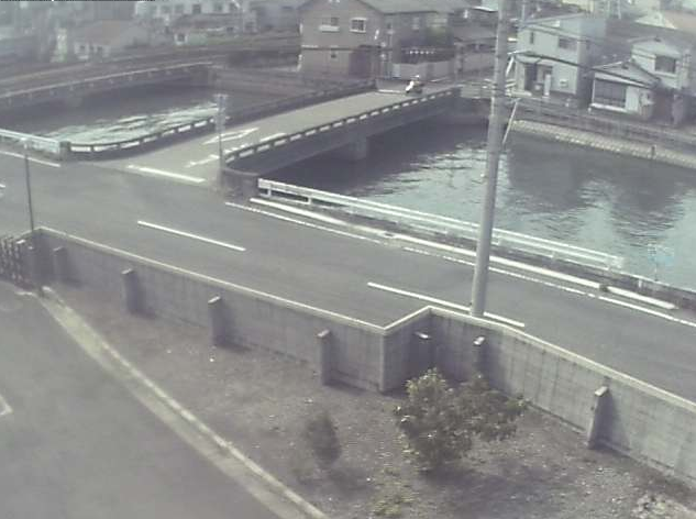 擂鉢谷川・JR予讃線(瀬戸大橋線)