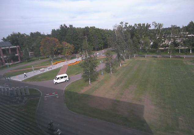 帯広畜産大学総合研究棟Ⅰ号館3階から総合研究棟Ⅰ号館前ロータリー