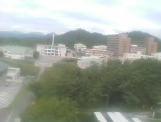 広島大学東広島キャンパス東図書館屋上からキャンパス南部
