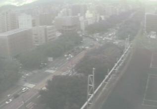 広島工業大学専門学校屋上から平和大通り・広島電鉄路面電車