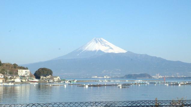 海のステージから富士山