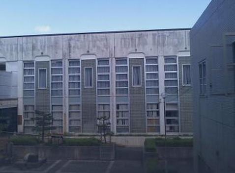 浜坂温泉塔から新温泉町役場中庭