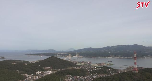 室蘭市測量山展望台から白鳥大橋・国道37号(白鳥新道)