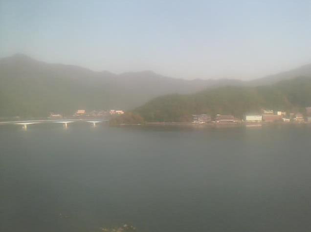 富士レークホテル展望室屋上から河口湖