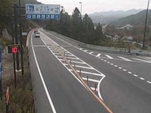 国道145号雁ヶ沢ランプライブカメラは、群馬県東吾妻町松谷の雁ヶ沢ランプに設置された国道145号(八ッ場バイパス)が見えるライブカメラです。