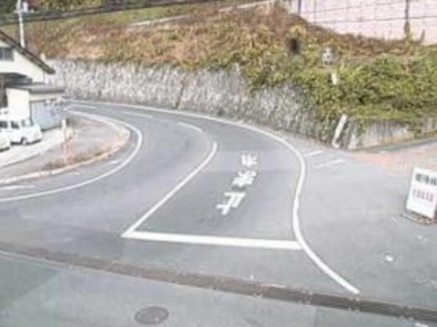 群馬県道63号水上片品線戸倉ライブカメラは、群馬県片品村戸倉の戸倉に設置された群馬県道63号水上片品線(奥利根ゆけむり街道)が見えるライブカメラです。