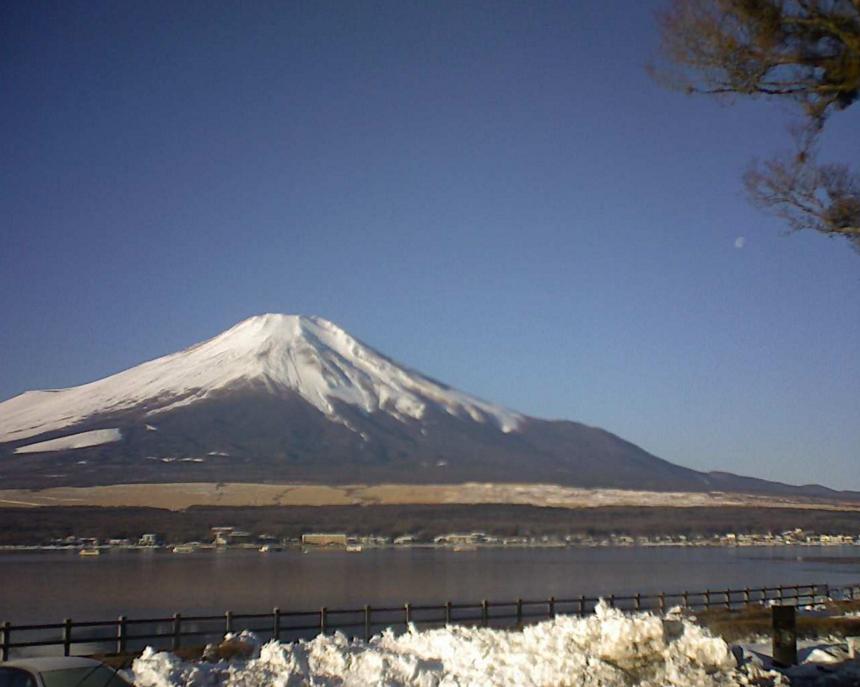 丸格建築から富士山・山中湖