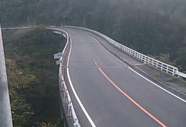 国道254号7号橋ライブカメラは、群馬県下仁田町南野牧の7号橋に設置された国道254号が見えるライブカメラです。