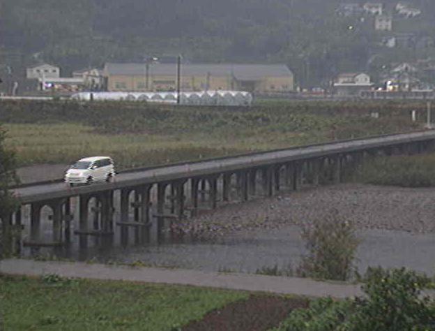 勝浦川沿いから星谷橋