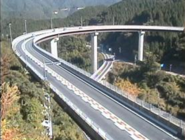 福岡側ループ橋付近から三瀬トンネル有料道路(やまびこロード)