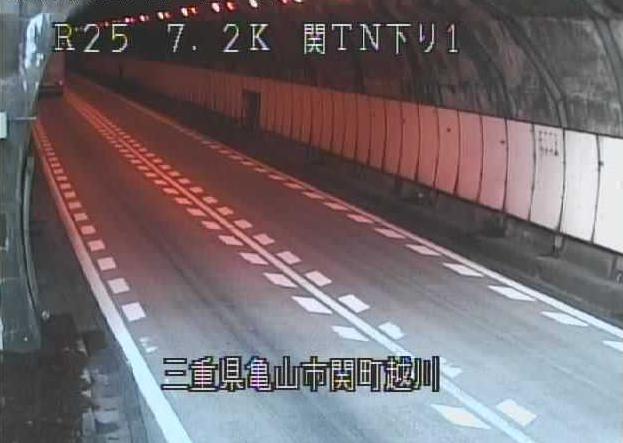 関トンネル下りから名阪国道(国道25号バイパス)