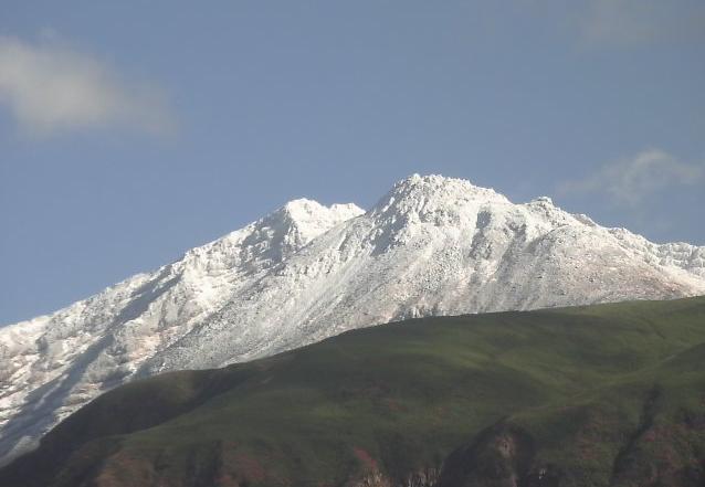 鳥海山象潟五合目鉾立山荘から鳥海山頂上