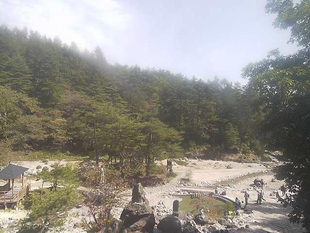 西の河原公園草津温泉ライブカメラは、群馬県草津町草津の西の河原公園に設置された草津温泉が見えるライブカメラです。