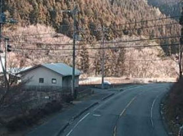 国道353号四万ライブカメラは、群馬県中之条町四万の四万に設置された国道353号(四万街道)が見えるライブカメラです。