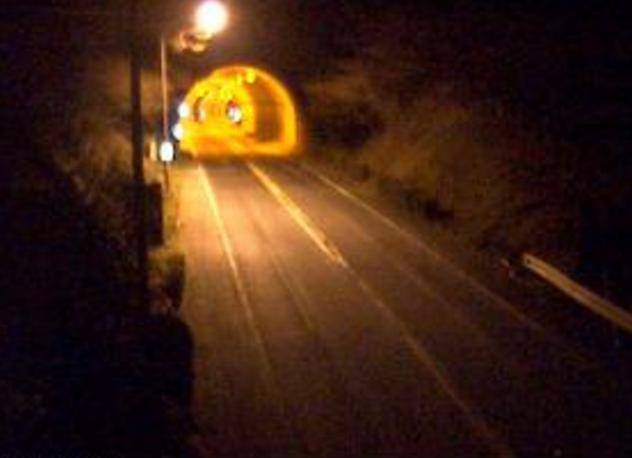 国道136号船原トンネル東側