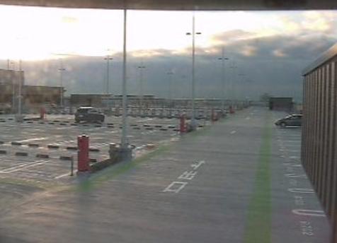 羽田空港P3駐車場屋上