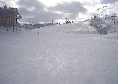 石打丸山スキー場観光口側銀座ゲレンデ