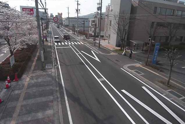 上田城跡公園から上田城跡駐車場入口上田駅方面・祝町通