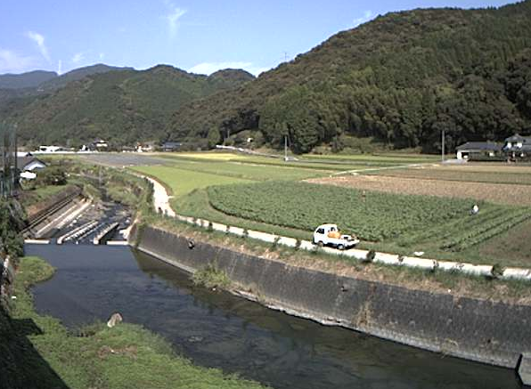 栖本町河内地区河内川ライブカメラは、熊本県天草市栖本町の栖本町河内地区に設置された河内川が見えるライブカメラです。