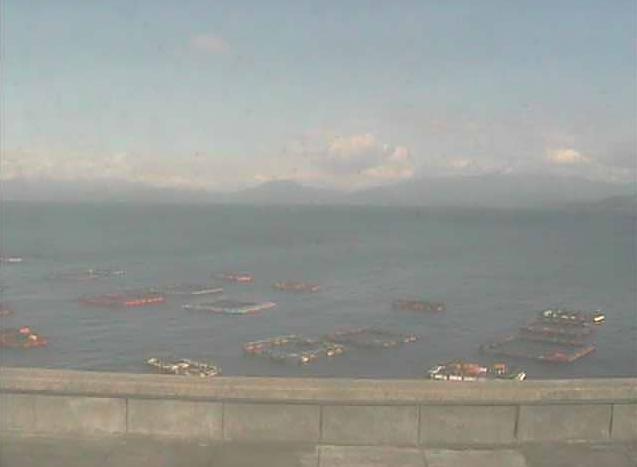 嘉島漁港から魚の養殖いかだ・貝崎・中の島・戸島