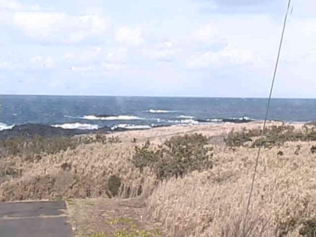 舳倉島灯台から舳倉港口・舳倉港内・DGPS局・NTT無線中継所