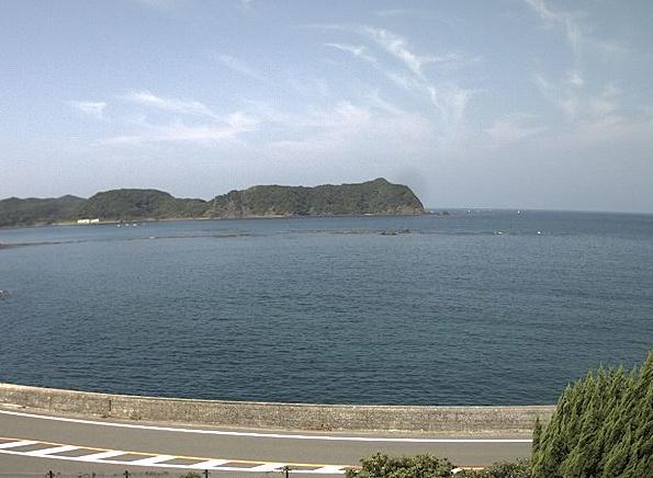 天草市魚貫町地区ライブカメラは、熊本県天草市魚貫町の天草市魚貫町地区に設置された牛深地区西海岸が見えるライブカメラです。