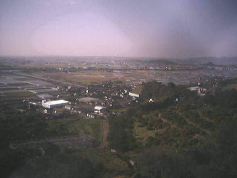 草枕温泉てんすい展望所ライブカメラは、熊本県玉名市天水町の草枕温泉てんすい展望所に設置された雲仙普賢岳・玉名市内が見えるライブカメラです。