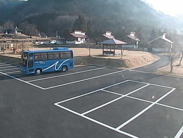 那岐山麓山の駅からコテージ・山野草公園・駐車場