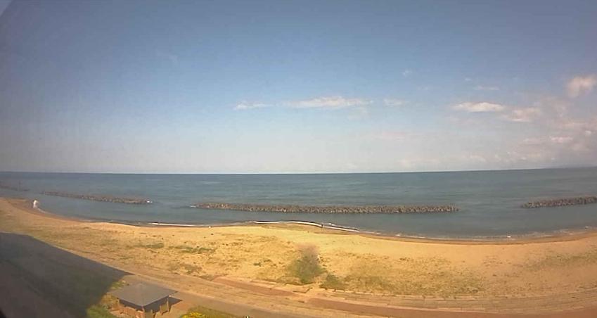 大観荘せなみの湯から瀬波温泉海水浴場・瀬波海岸・日本海が見えるライブカメラ。