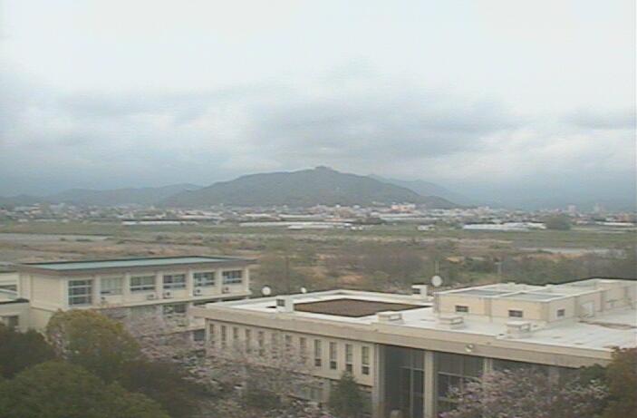 高知工業高等専門学校電気情報工学科棟屋上タワーから高知上空・聞楽山
