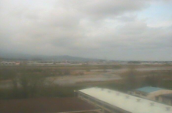 高知工業高等専門学校電気情報工学科棟屋上タワーから高知上空・物部川
