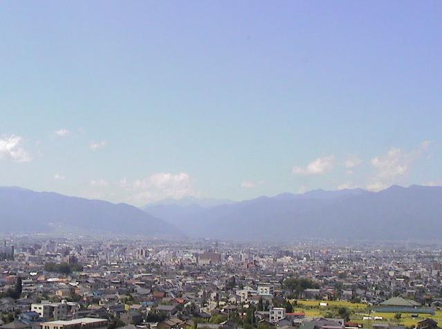 ホテル翔峰松本平ライブカメラは、長野県松本市里山辺のホテル翔峰に設置された松本平が見えるライブカメラです。東洋観光事業によるライブ映像配信。