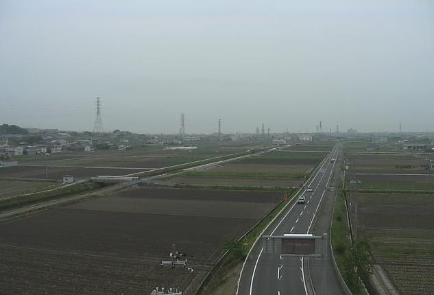 オニオンタワーから兵庫県道31号福良江井岩屋線が見えるライブカメラ。