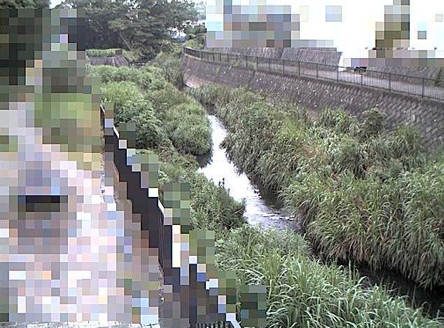 阿久和川伊勢堰橋ライブカメラは、神奈川県横浜市泉区の伊勢堰橋に設置された阿久和川が見えるライブカメラです。