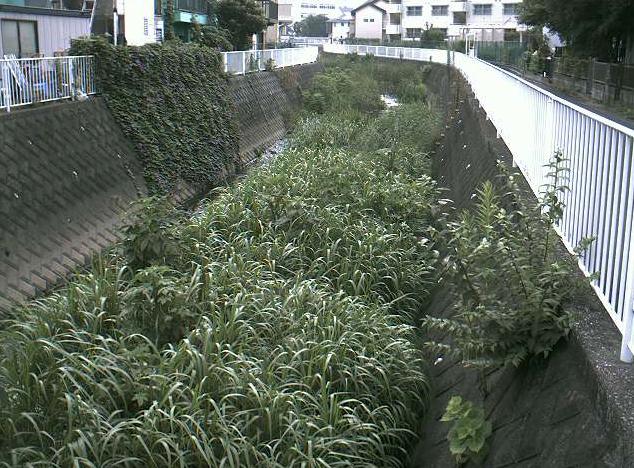 舞岡川元舞橋ライブカメラは、神奈川県横浜市戸塚区の元舞橋に設置された舞岡川が見えるライブカメラです。