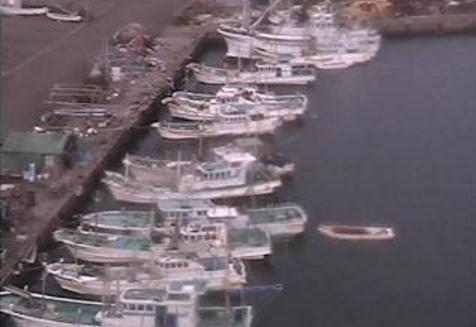堺漁港ライブカメラは、和歌山県みなべ町堺の堺漁港に設置された堺漁港・元島(田辺)・田辺湾・白浜・芳養湾・堺磯が見えるライブカメラです。
