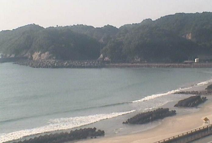 ホテルリビエラししくいライブカメラは、徳島県海陽町宍喰浦のホテルリビエラししくいに設置された太平洋が見えるライブカメラです。