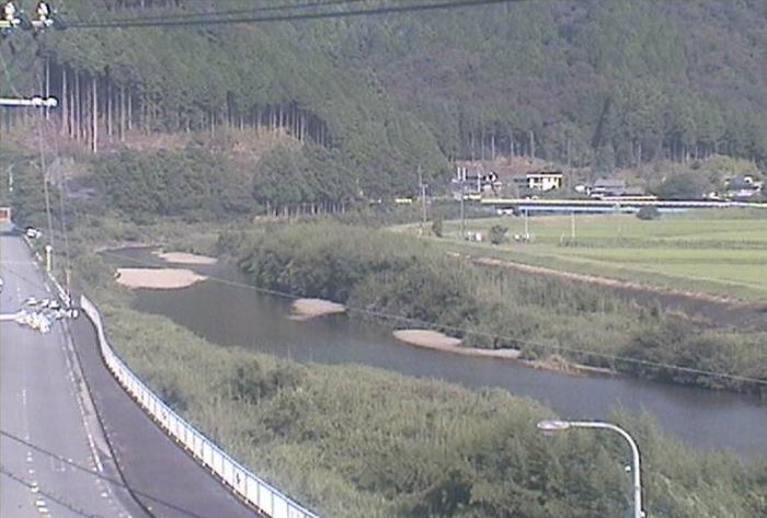 美波町役場水道課ライブカメラは、徳島県美波町西河内の美波町役場水道課に設置された日和佐川・徳島県道36号日和佐上那賀線が見えるライブカメラです。