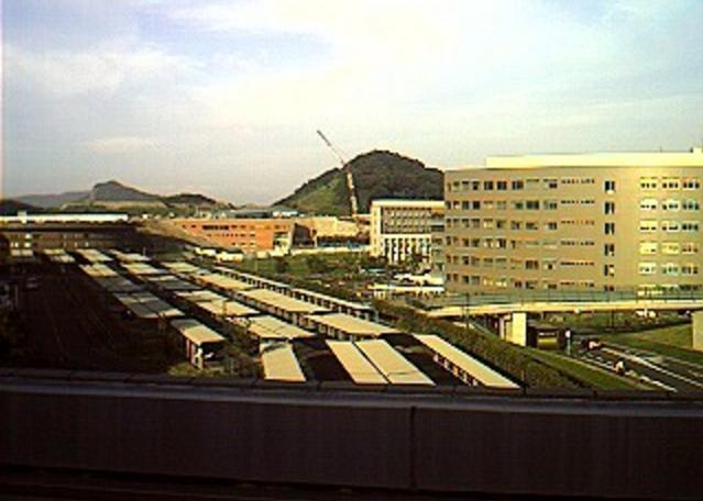 九州大学伊都新キャンパス建設風景第1ライブカメラは、福岡県福岡市西区の九州大学エネルギーセンター屋上に設置された伊都新キャンパス建設風景が見えるライブカメラです。