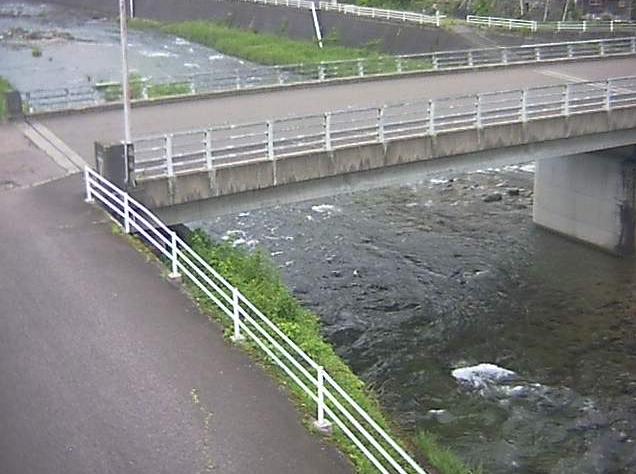 匹見川匹見昭和橋ライブカメラは、島根県益田市匹見町の匹見昭和橋に設置された匹見川が見えるライブカメラです。