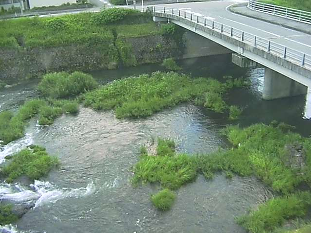 益田川東仙道蛍橋ライブカメラは、島根県益田市美都町の東仙道蛍橋に設置された益田川が見えるライブカメラです。